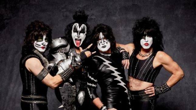 kiss paul stanley i couldn t be happier with the band as it is today. Black Bedroom Furniture Sets. Home Design Ideas