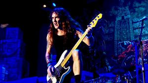 "IRON MAIDEN Bassist STEVE HARRIS Aims To Turn His Home Into ""Boutique Hotel"""
