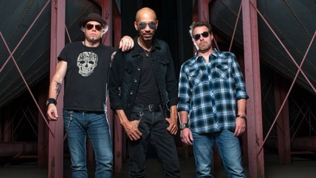 GRINDER BLUES Feat. KING'S X Bassist / Vocalist DUG PINNICK Reveal