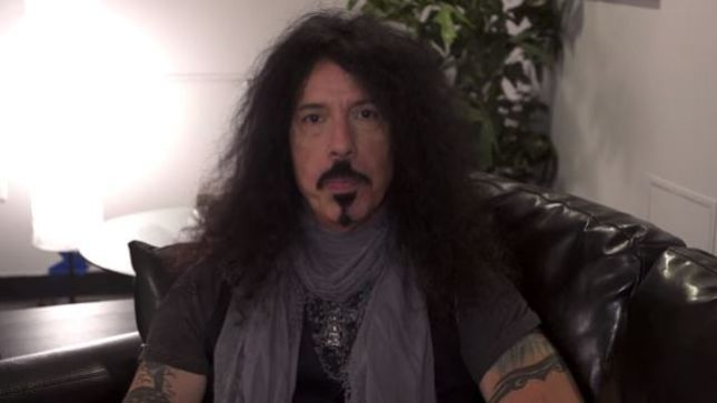 "QUIET RIOT Drummer FRANKIE BANALI Talks OZZY OSBOURNE's ""Over The Mountain"" And RANDY RHOADS On New Talking Metal Podcast"