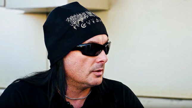 "DANI FILTH Discusses Devil Horns Trademark Controversy - ""GENE SIMMONS Is Just An Idiot""; Video"