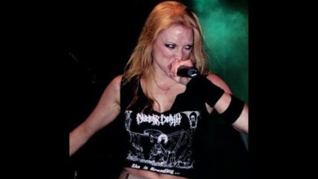 ARCH ENEMY - Rare Video Of Entire 2002 Belgium Show Featuring ANGELA GOSSOW Surfaces On YouTube
