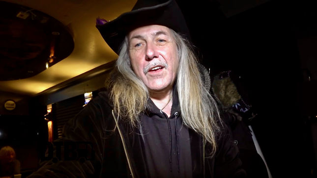 ULI JON ROTH Featured In New Episode Of Bus Invaders; Video