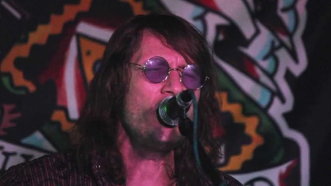 Former MEGADETH Guitarist JEFF YOUNG Interviews ENUFF Z'NUFF's DONNIE VIE (Audio)