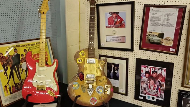 First Guitar JIMI HENDRIX Played In The UK Going To Auction; Video