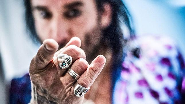 "Exclusive: THE DEAD DAISIES Bassist MARCO MENDOZA Premieres ""Leah"" Video"