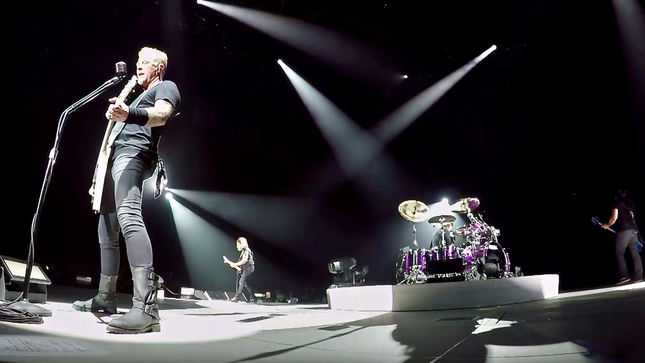 "METALLICA Performs ""Of Wolf And Man"" Live In France; Pro-Shot Video Streaming"
