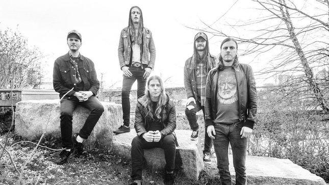 """DEAD QUIET Streaming New Single """"Fucking Oath"""""""