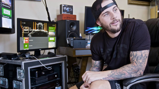 AVENGED SEVENFOLD Singer M. SHADOWS Offers Tour Of Favourite Video Games; Video