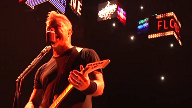 "METALLICA Performs ""Moth Into Flame"" In Belgium; Pro-Shot Video Streaming"