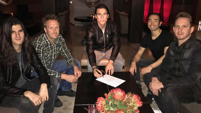 TOSELAND To Release Third Album In Fall 2018