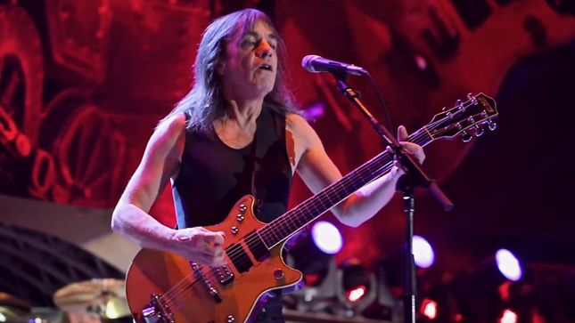 "MEGADETH Leader DAVE MUSTAINE Pens Lengthy Tribute To Late AC/DC Guitarist MALCOLM YOUNG - ""A Good Riff You Can Play Over And Over Again, And Malcolm Wrote A Lot Of That Music"""