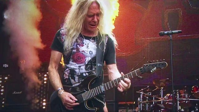 "SAXON Premier ""Thunderbolt"" Music Video"