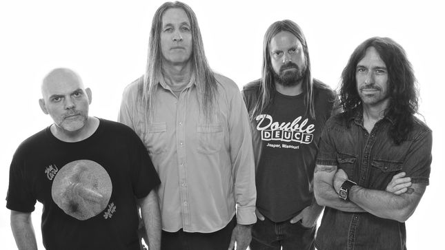 "FU MANCHU Streaming New Song ""Clone Of The Universe""; Lyric Video"