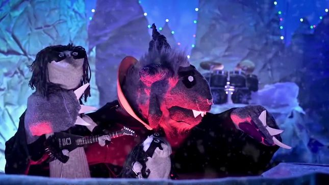 "IMMORTAL CHRISTMAS Parodies DIMMU BORGIR In ""The Banishing"" Featuring PHIL ANSELMO; New Sock Puppet Parody Video Streaming"