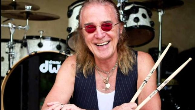 FOGHAT Drummer ROGER EARL Narrates Frosty The Snowman (Audio)