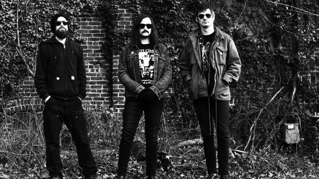 "MAMMOTH GRINDER Streaming New Song ""Blazing Burst"""
