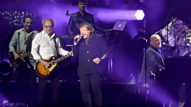 FOREIGNER Founding Members LOU GRAMM And MICK JONES Join BILLY JOEL At New York City Concert; Video