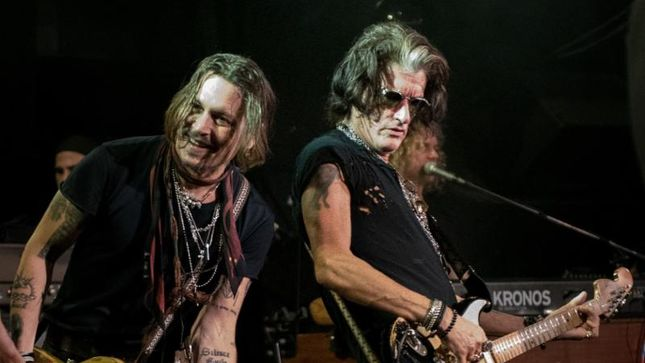 JOE PERRY Joined On Stage By SLASH, JOHNNY DEPP, CHRIS ROBINSON And Others At L.A. Record Release Show; Video Streaming