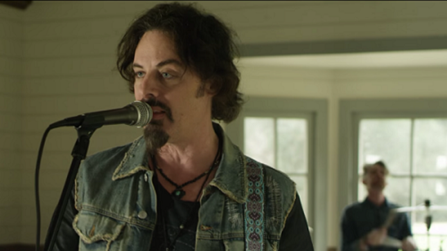 "RICHIE KOTZEN Releases Video For New Song ""The Damned"""