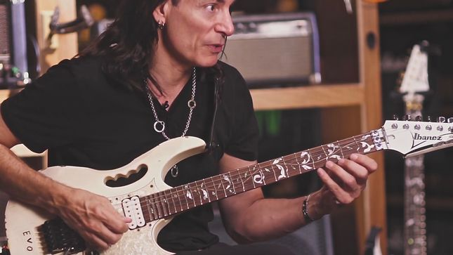 STEVE VAI - The Steve Vai Guitar Method Episode 7: Rhythm And Practice Routines; Video