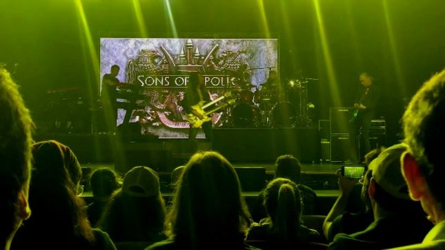 "SONS OF APOLLO Perform DREAM THEATER's ""Lines In The Sand"" At First Ever Live Show (Video)"