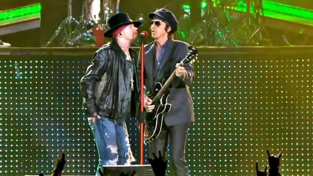 IZZY STRADLIN Was Due To Take Part In GUNS N' ROSES Not In This Lifetime Tour -