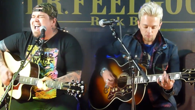 "BLACK STONE CHERRY - Video Of New Song ""Bad Habit"" Performed Acoustically In France"