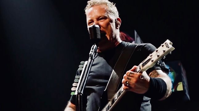 "Manger PETER MENSCH On METALLICA's Lasting Popularity - ""JAMES HETFIELD Speaks To A Group Of People That No One Else Speaks To"""