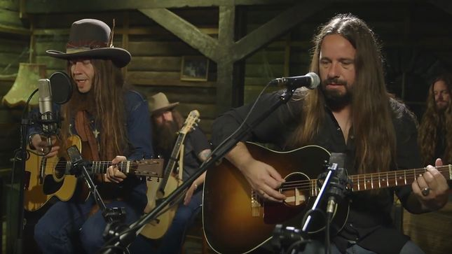"BLACKBERRY SMOKE Performs ""Pretty Little Lie"" Live At YouTube London; Video"
