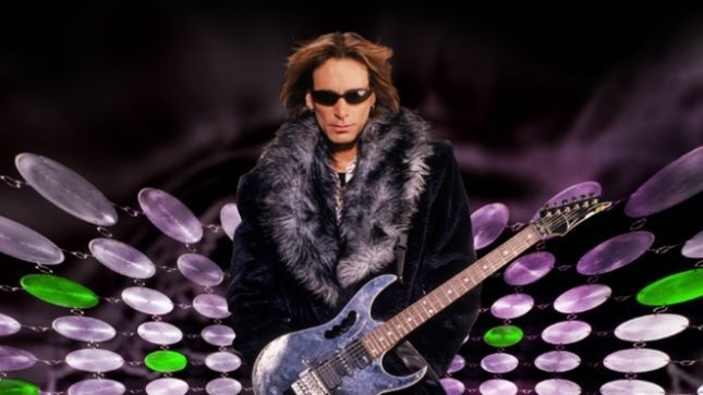STEVE VAI Guests On JANE'S ADDICTION Guitarist DAVE NAVARRO's Dark Matter Radio Show