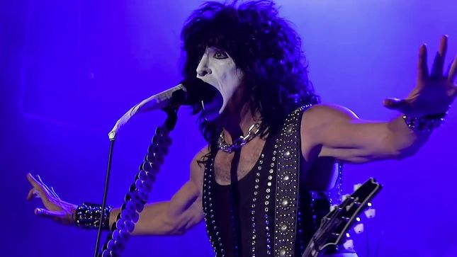 KISS Vocalist / Guitarist PAUL STANLEY To Deliver Commencement Address At Wesley College In Dover