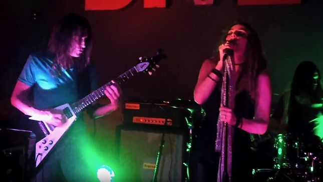 Former MEGADETH Guitarist JEFF YOUNG And Vocalist SHERRI KLEIN Cover TOM WAITS'