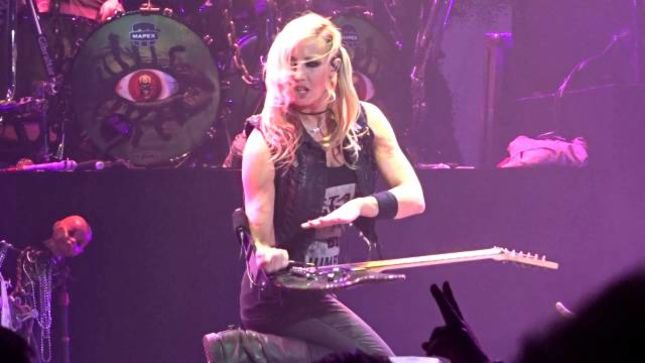 "ALICE COOPER Guitarist NITA STRAUSS Talks New Solo Album - ""I Wanted It To Be Just About Me"""
