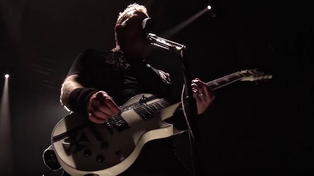 "METALLICA Performs MISFITS Cover ""Last Caress"" In Oslo; Video"