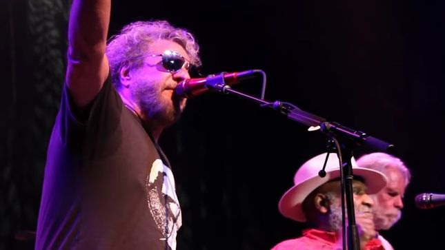 "SAMMY HAGAR, JOE SATRIANI, MICHAEL ANTHONY, More Jam ""Dock Of The Bay"" At Acoustic-4-A-Cure 2018; Video"