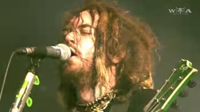 """SOULFLY - Pro-Shot Footage Of """"Roots Bloody Roots"""", """"Eye For An Eye"""" Live At Wacken Open Air 2006"""