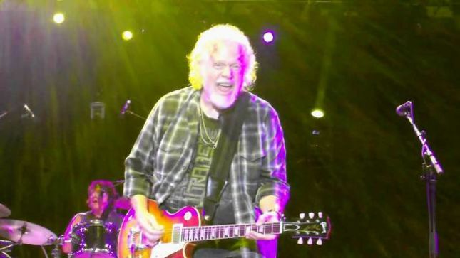 "THE GUESS WHO Guitarist RANDY BACHMAN Talks Classic ""American Woman"" - ""It Was Written Live On Stage; I Broke A String And Was Tuning Up My Guitar"" (Video)"