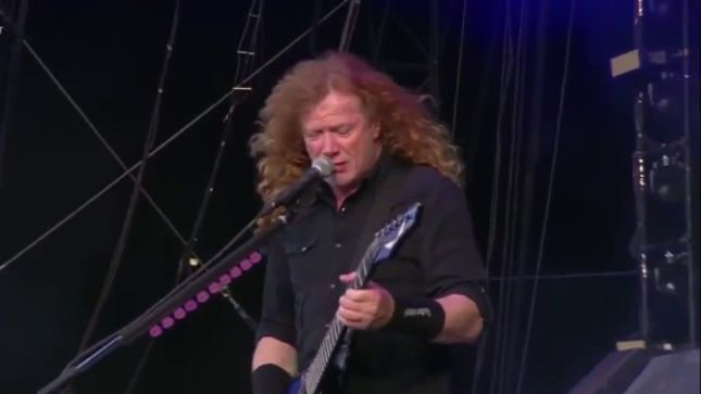 "MEGADETH Perform ""The Conjuring"" Live For The First Time Since 2001; Fan-Filmed Video Posted"
