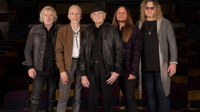 "YES Keyboardist GEOFF DOWNES On Possibility Of A New Album - ""I Think We'll Have A Go..."""
