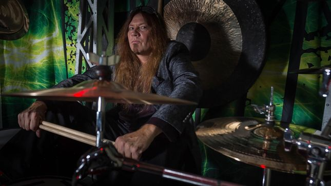 BLACK OAK ARKANSAS Drummer Lonnie Hammer's HAMMER DOWN HARD To Release Debut Album; Guests Include Members Of GREAT WHITE, SHINEDOWN And More