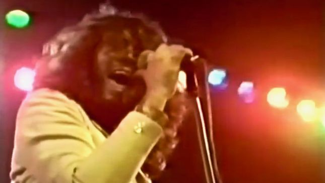 "DEEP PURPLE Vocalist's IAN GILLAN BAND Performs ""Woman From Tokyo"" Live In 1977; Rare Video"