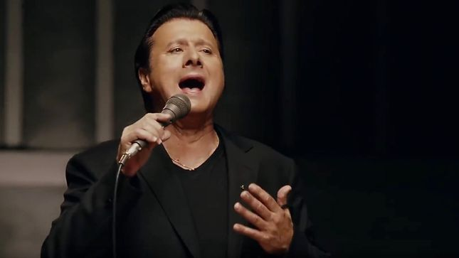 "STEVE PERRY - ""Putting 30 Years Into 10 Songs Has Certainly Been An Emotional Experience For Me""; Former JOURNEY Singer Reveals More Traces Album Details"