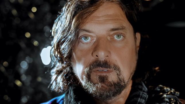 "ALAN PARSONS Talks New Solo Album, Working With PINK FLOYD And THE BEATLES - GEORGE MARTIN ""Was The Perfect Inspiration"""