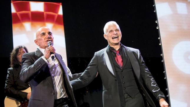 VAN HALEN Singer DAVID LEE ROTH Performs At The Brent Shapiro Foundation's Summer Spectacular; Video, Photos