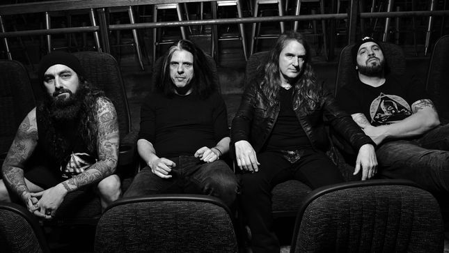 "MEGADETH Bassist DAVID ELLEFSON Talks Songwriting For METAL ALLEGIANCE - ""These Are Not Internet Records; It's Important For Us To Gather In A Room And Work On The Songs Together"" (Audio)"