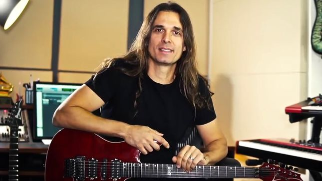 Guitarist KIKO LOUREIRO Names His Favourite MEGADETH Album; Video