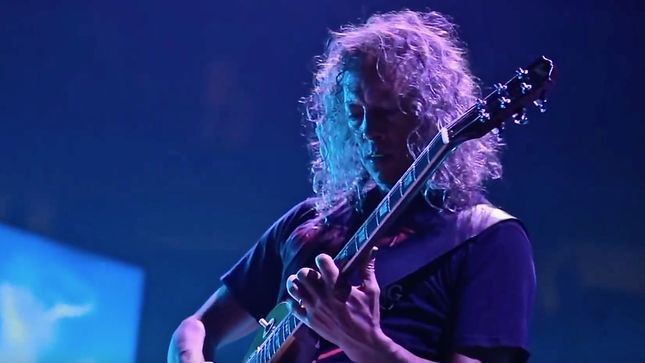 "METALLICA Guitarist KIRK HAMMETT Ponders Possible Solo Album - ""It'll Be Something So Weird And Far-Ranging In Styles, But Cohesive At The Same Time"""