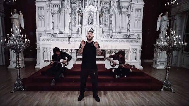 "ASKING ALEXANDRIA Launch Music Video For Acoustic Version Of ""Alone In A Room"""