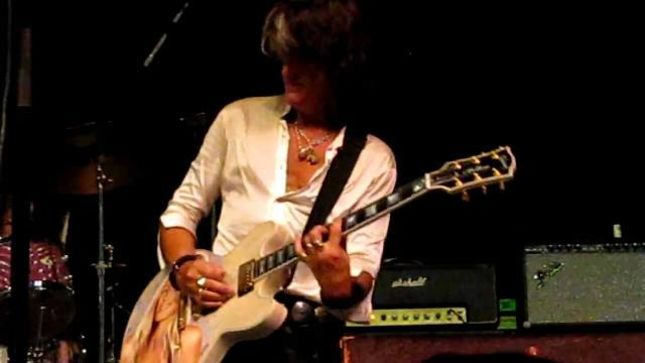 "Guitarist JOE PERRY Talks AEROSMITH - ""I'm Not Going Crazy Wanting To Write More Songs"""